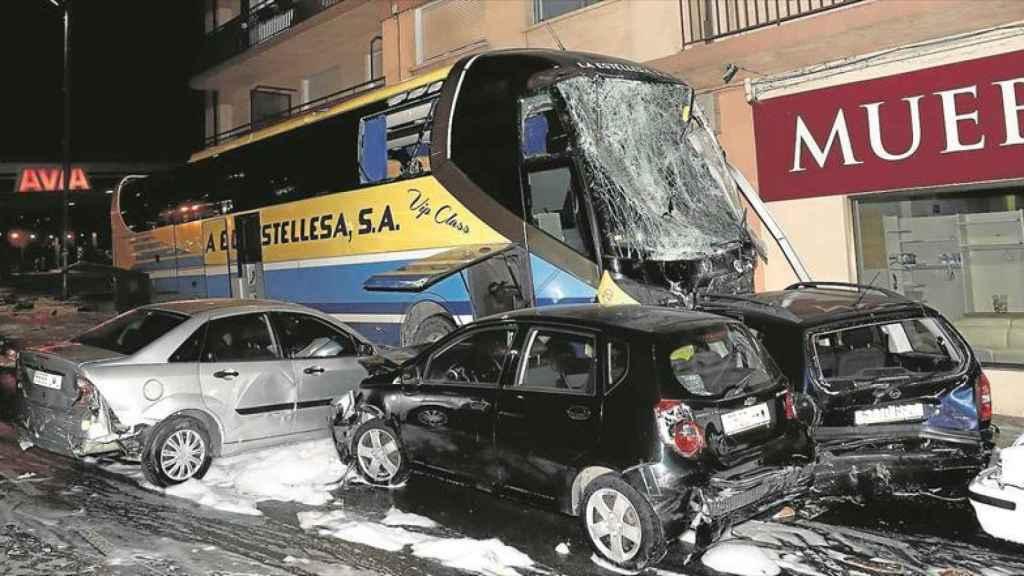 El autobús de 'La Estellesa' impactó contra el coche de Yoana.