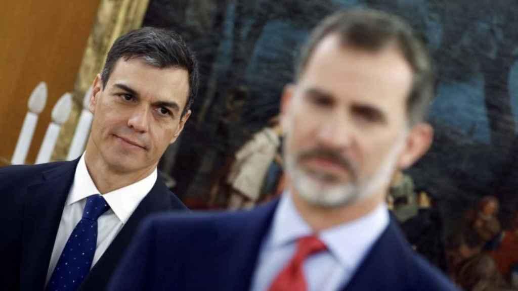 El presidente, Pedro Sánchez, y el Rey Felipe VI en Zarzuela.