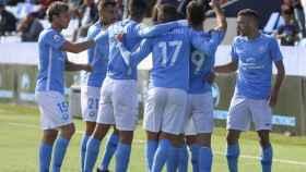 Los jugadores de la UD Ibiza celebran un gol