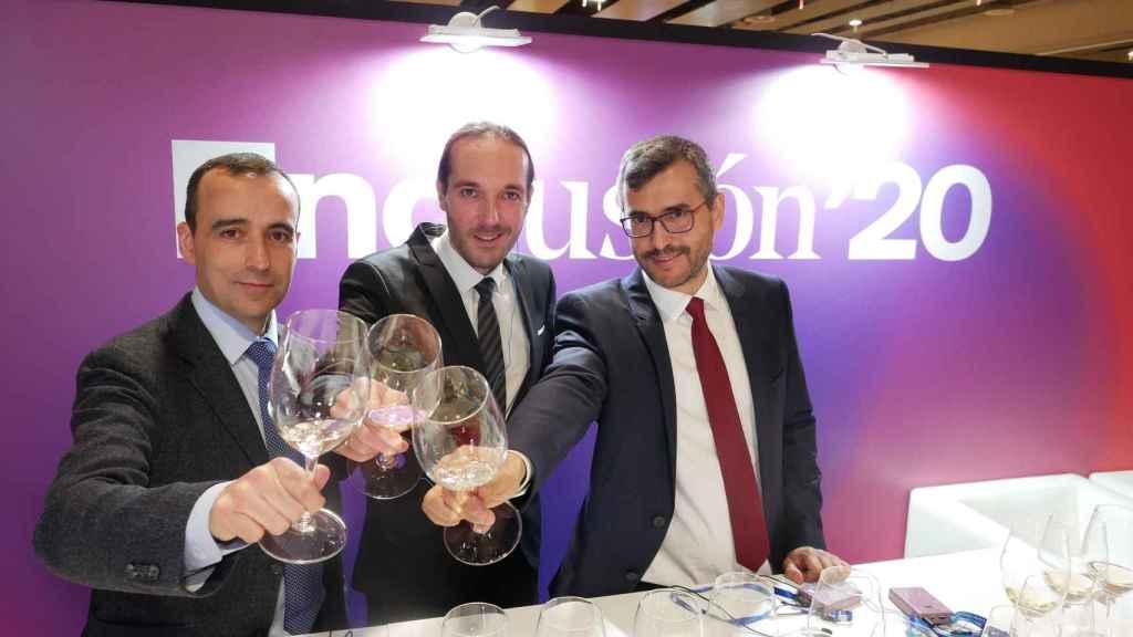 Miguel Sanz, Director General de la D.O.; Alberto Tobes, Responsable de Experimentación; y Rubén Arranz, sumiller.