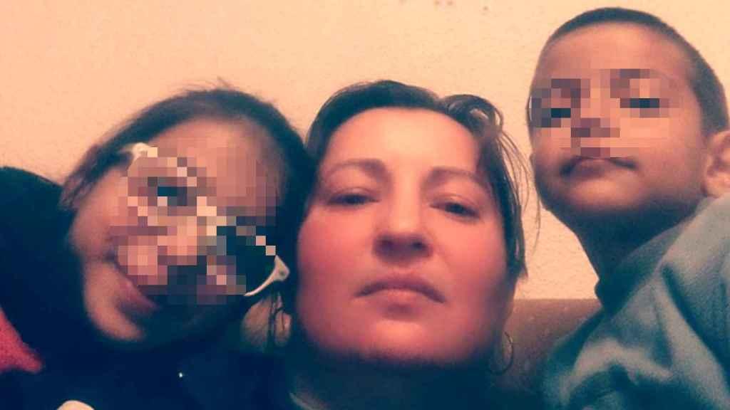 Liliana con sus hijos, Luisa Camila y Eduardo.