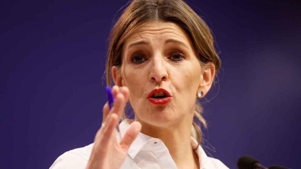 La ministra de Trabajo, Yolanda Díaz, en rueda de prensa para anunciar la subida del SMI.