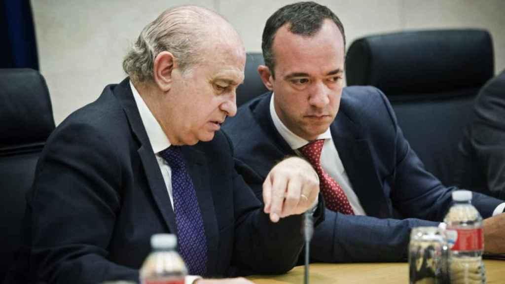 Francisco Martínez (derecha) y el exministro Jorge Fernández./