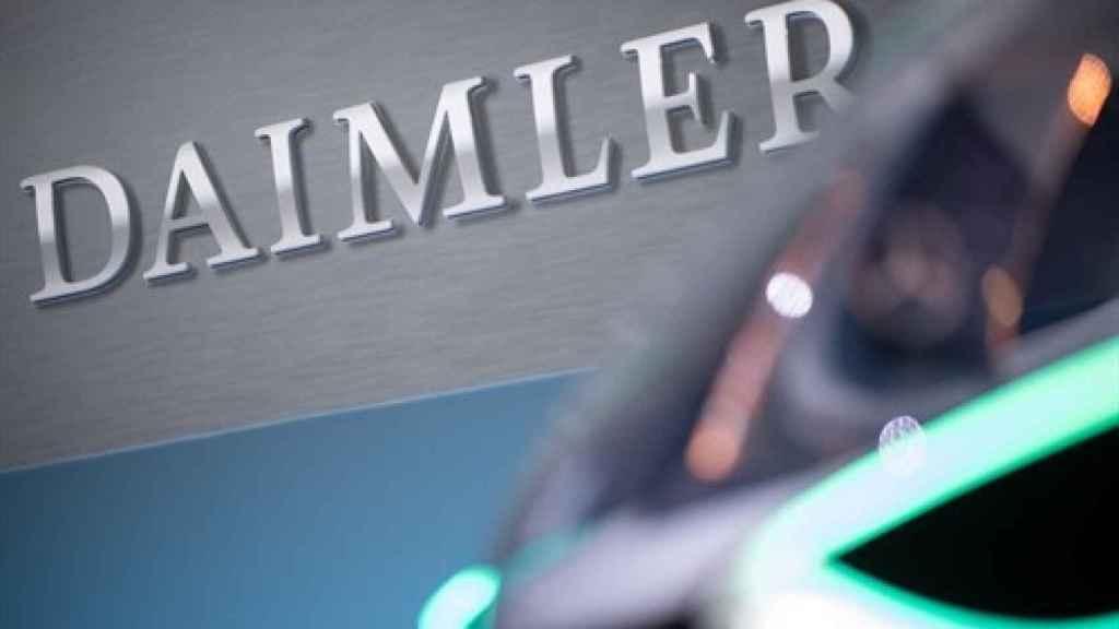 Daimler recorta casi un 50%su beneficio arrastrada por Mercedes Benz