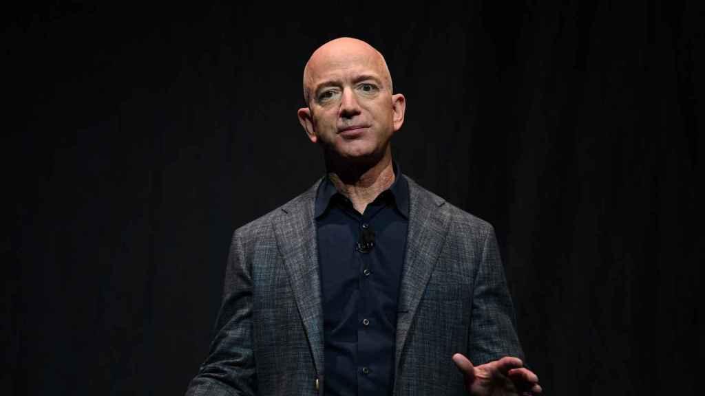Jeff Bezos en una charla de Blue Origin sobre la exploración de Marte