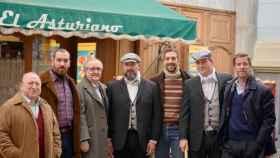 El equipo de 'La Resistencia' junto a actores de 'Amar es para siempre' (Antena 3)