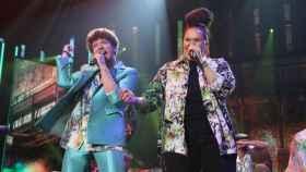Eli y Jesús cantando en 'OT'