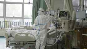 Un paciente ingresado en Wuhan con la nueva neumonía.