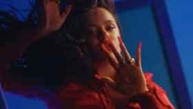 Fotograma del videoclip de Juro que.