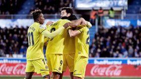 Los jugadores del Eibar celebran uno de los goles del partido