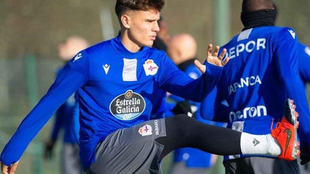 Hugo Vallejo, en un entrenamiento del Deportivo de La Coruña