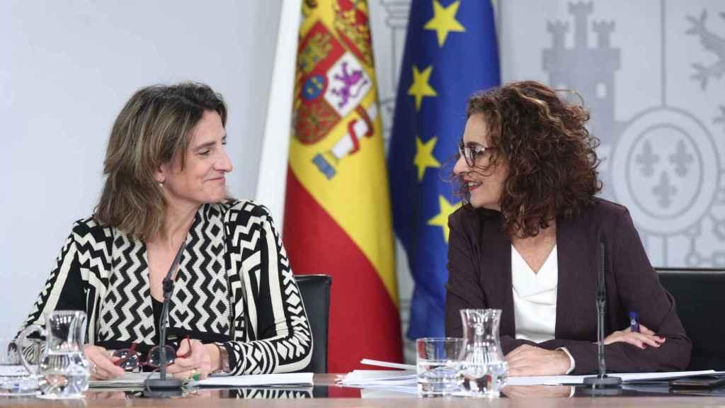 Teresa Ribera y María Jesús Montero, en la rueda de prensa posterior al Consejo de Ministros.