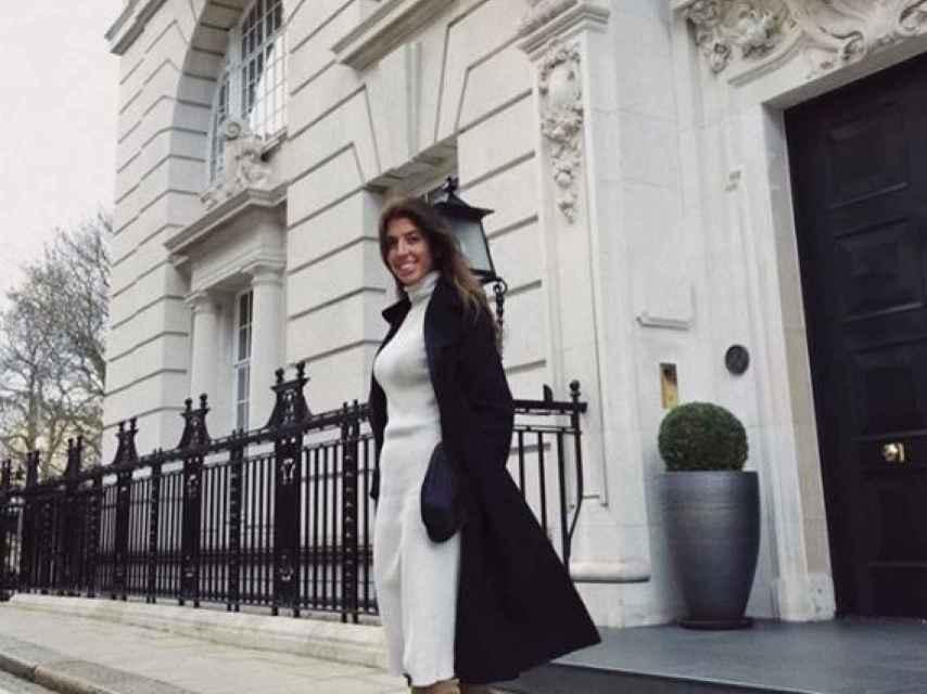 Karelys se puso en contacto con un fotógrafo inglés que conocía de Londres.