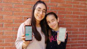 Idoya, una de las personas que ha conseguido comprar el billete de Alta Velocidad 'low cost' (Avlo), y su hermana.