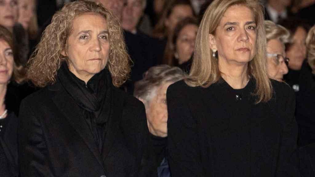 Las infantas Elena y Cristina, hermanas del rey Felipe VI.