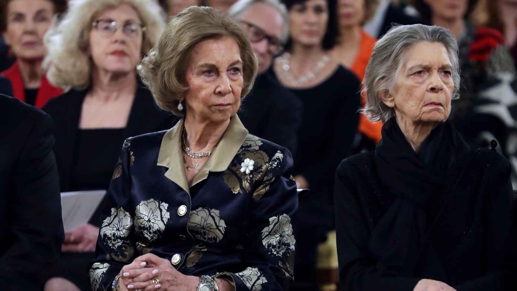 La reina Sofía e Irene de Grecia durante el concierto en homenaje a las víctimas del Holocausto.