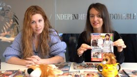 Ane Olabarrieta y Cristina Rodrigo en el kiosco rosa en vídeo.