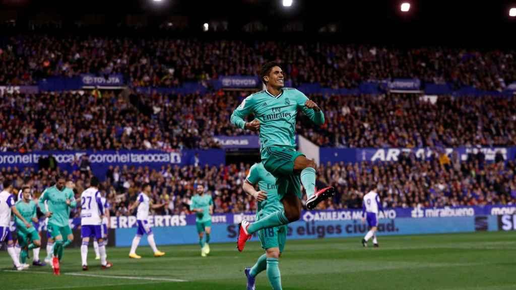 Varane celebra su gol al Zaragoza