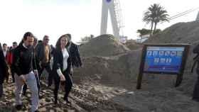 El vicepresidente segundo del Gobierno, Pablo Iglesias, durante su visita a las playas de Denia.