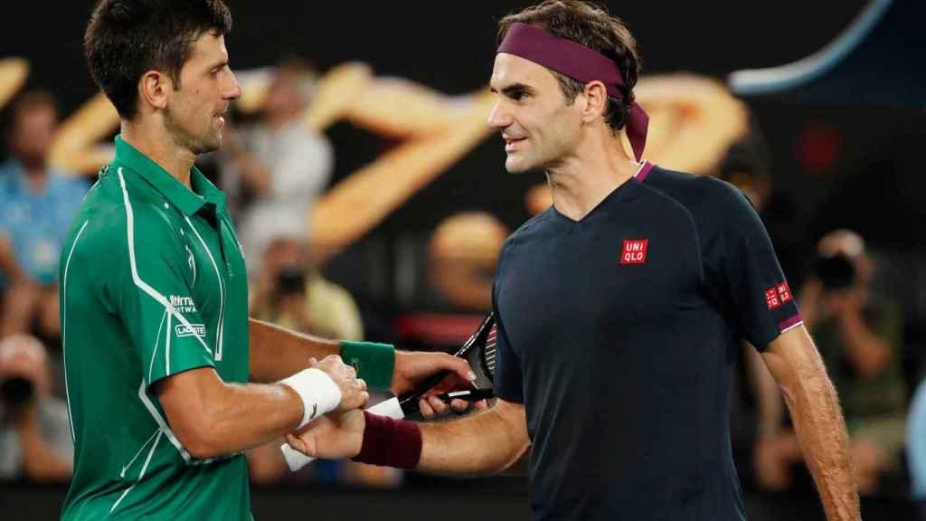 Novak Djokovic y Roger Federer en la semifinal del Open de Australia