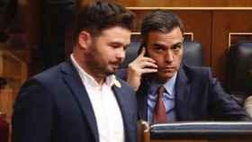 El portavoz de ERC en el Congreso, Gabriel Rufián, y el presidente del Gobierno, Pedro Sánchez.