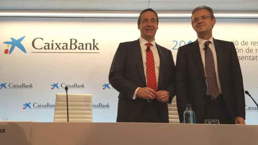 El consejero delegado de CaixaBank, Gonzalo Gortázar, y el presidente, Jordi Gual.