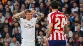 Toni Kroos se lamenta de una ocasión fallada ante el Atlético