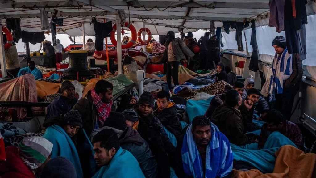 El Open Arms con 363 personas a bordo.