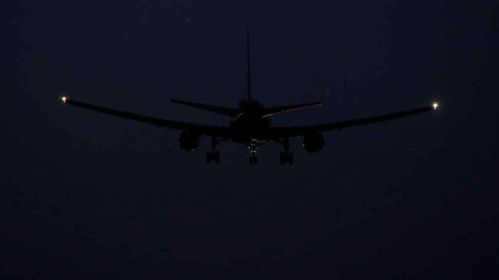 El avión de Air Canada aterrizando este lunes en Barajas