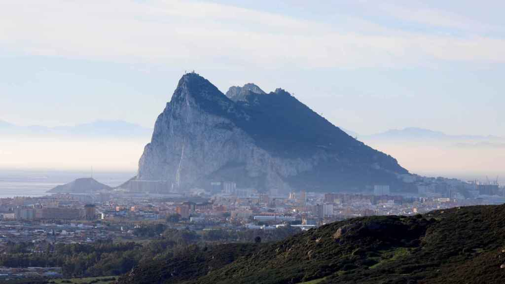 Gibraltar visto desde La Línea de La Concepción