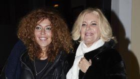 Bárbara Rey junto a su hija Sofía Cristo durante la celebración de su cumpleaños.