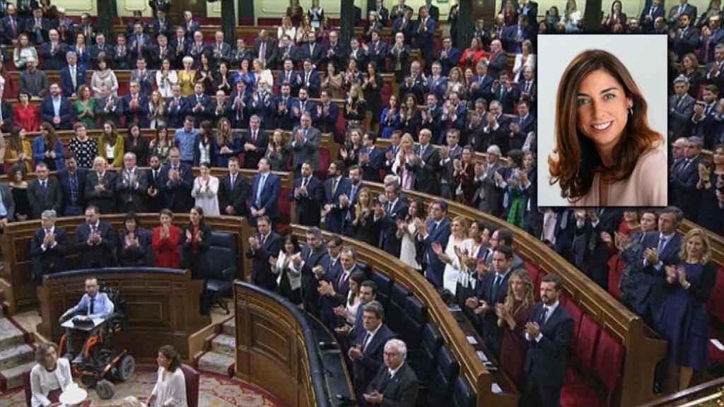 Ovación al Rey, en la que no participa la mayoría de parlamentarios de Podemos, y Tristana María Moraleja, diputada del PP que lanzó vivas a Felipe VI y a España.