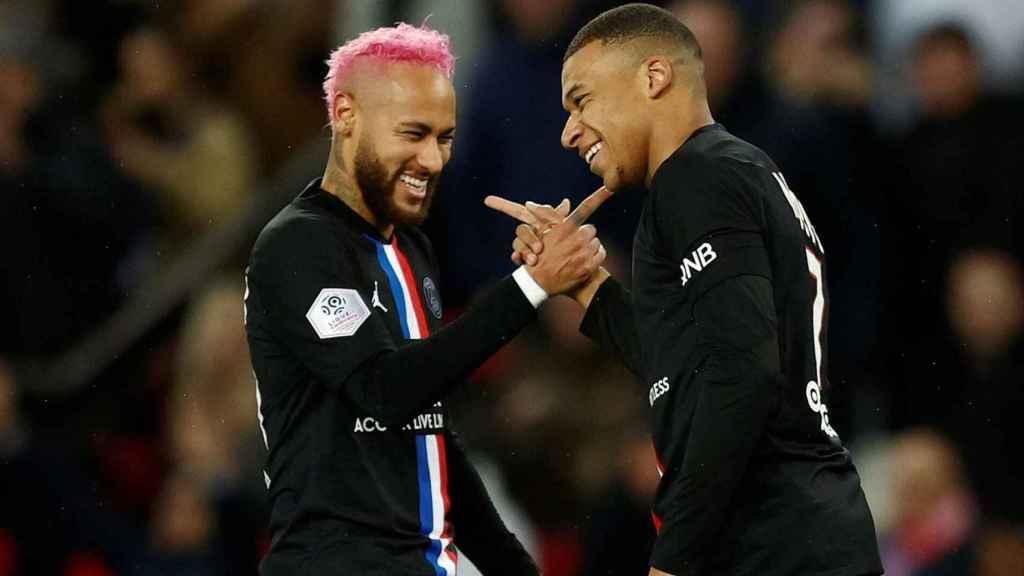 Neymar y Mbappé, durante su último partido juntos