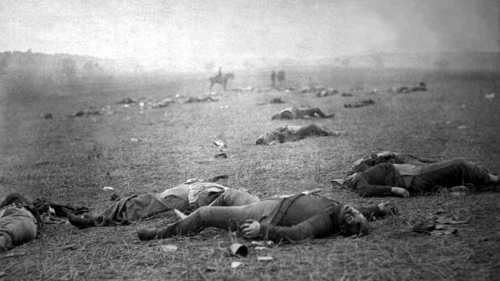 Soldados de la Unión muertos en el campo de batalla de Gettysburg.