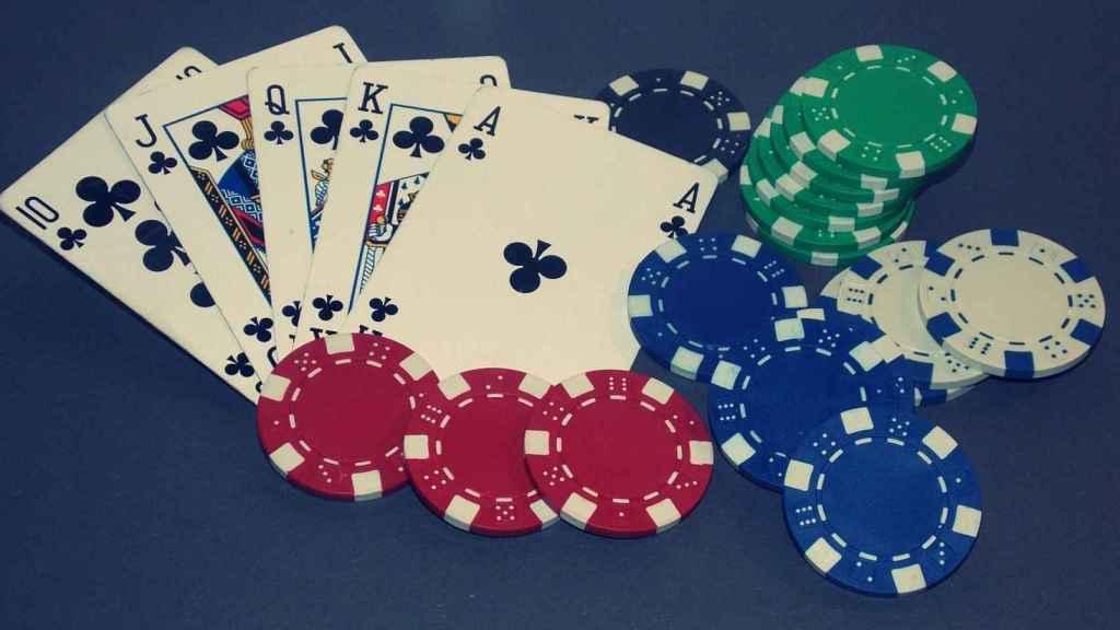 Cómo jugar al póker con estos trucos