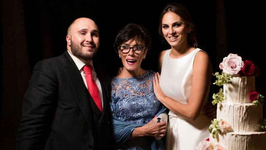 Kiko Rivera, Mayte Vázquez e Irene Rosales en la boda del DJ y la modelo.