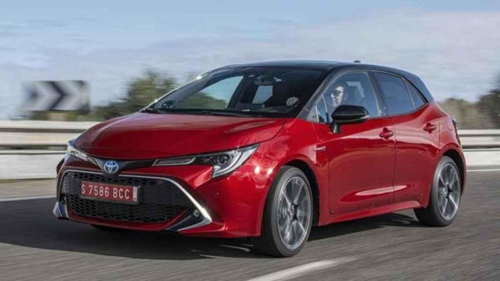 El Toyota Corolla (híbrido), emite justo 95 gr/km de CO2, al límite de lo establecido por Europa.