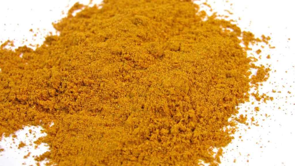 Curry en polvo, para sazonar.