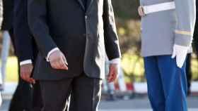 El rey Mohamed VI a bordo de su yate en las playas de Agadir.