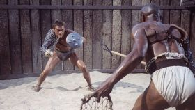 Kirk Douglas, en una escena mítica de 'Espartaco'.