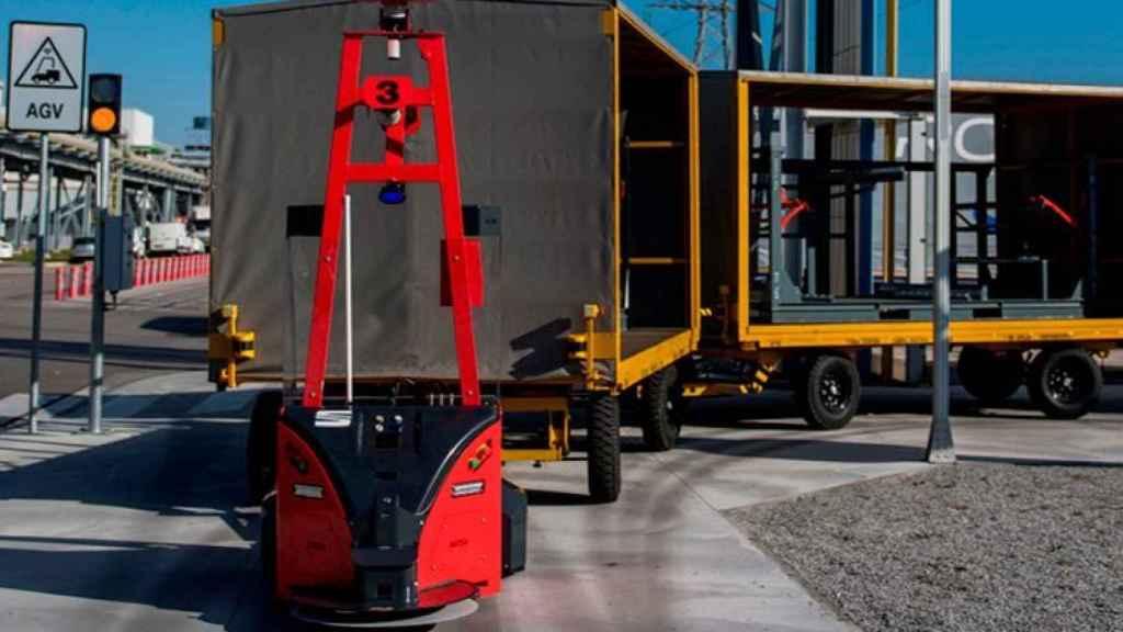 Imagen de uno de los ocho AGV que trabajan en la planta de Seat en Martorell.