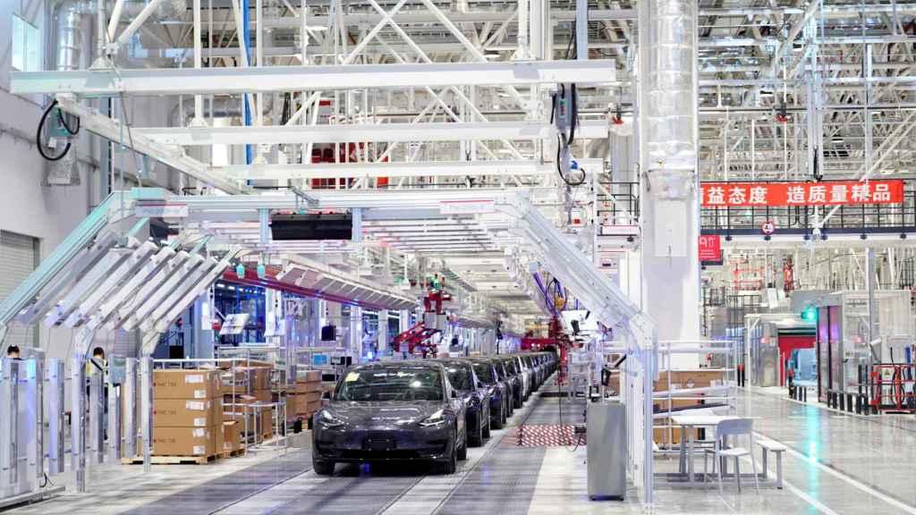 Model 3 en la planta de producción de Tesla en Shanghái