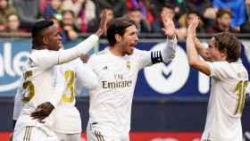 Los jugadores del Real Madrid celebran la victoria ante Osasuna