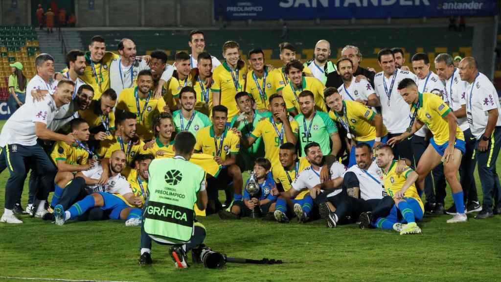 La selección de Brasil celebra su clasificación a Tokio 2020
