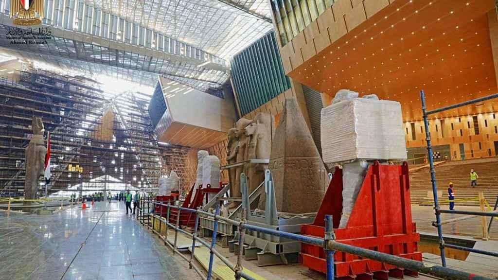 Interior del Gran Museo Egipcio.