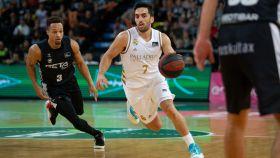 Campazzo, durante un partido entre RETAbet Bilbao Basket y Real Madrid