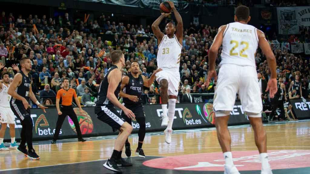 Thompkins, durante un partido entre Real Madrid y RETAbet Bilbao Basket