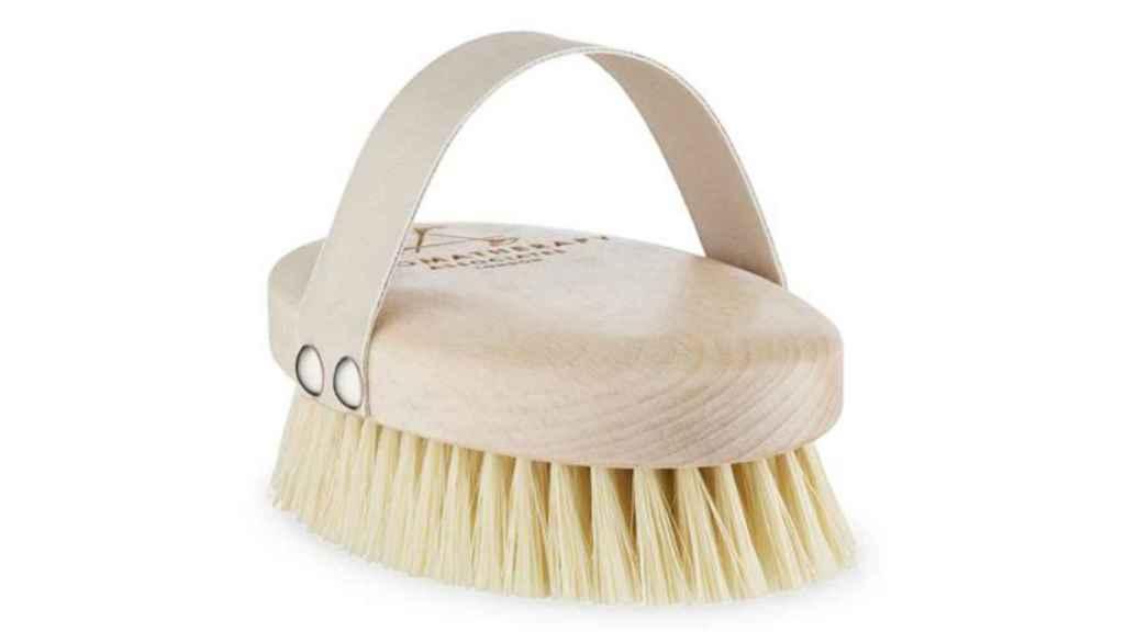 Las cerdas de agave con punta redondeada son la clave del éxito de este cepillo.