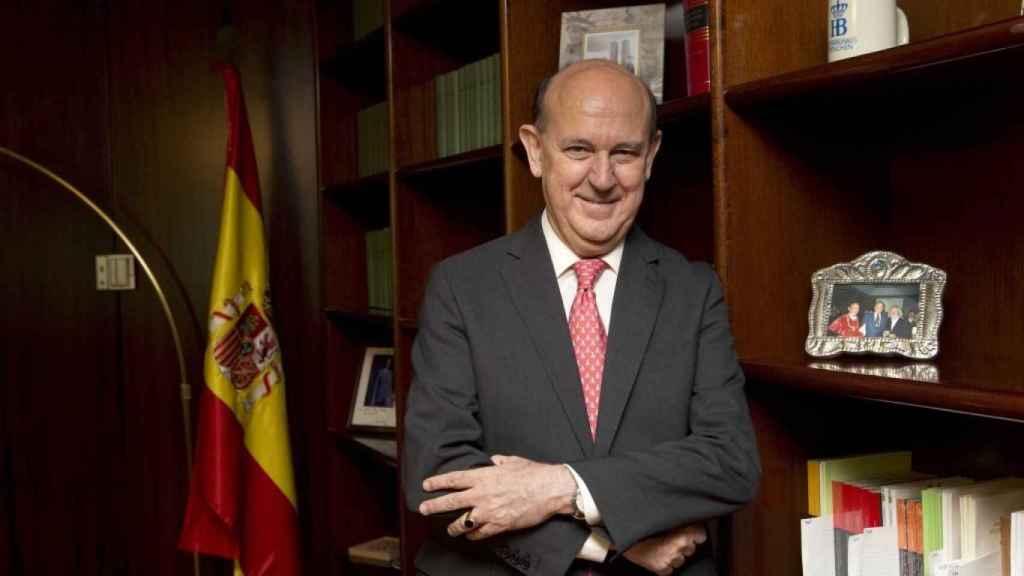 Andrés Ollero, en su despacho del Tribunal Constitucional./