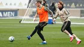 Gareth Bale y Sergio Ramos, durante el entrenamiento